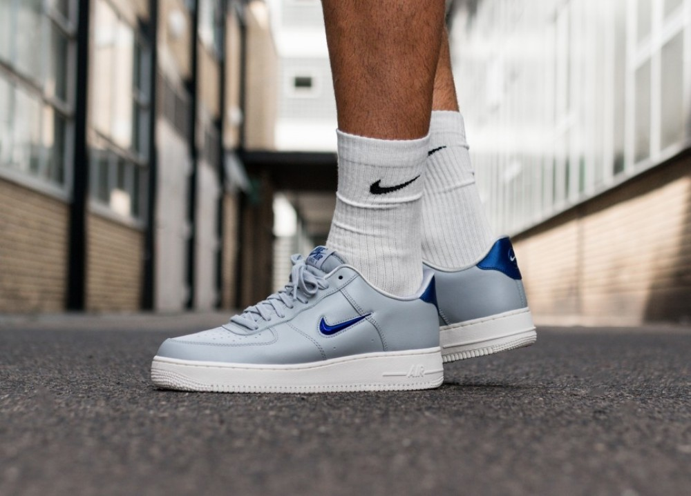 premium selection d4035 ef400 Nike Air Force 1  07 LV8 Leather .