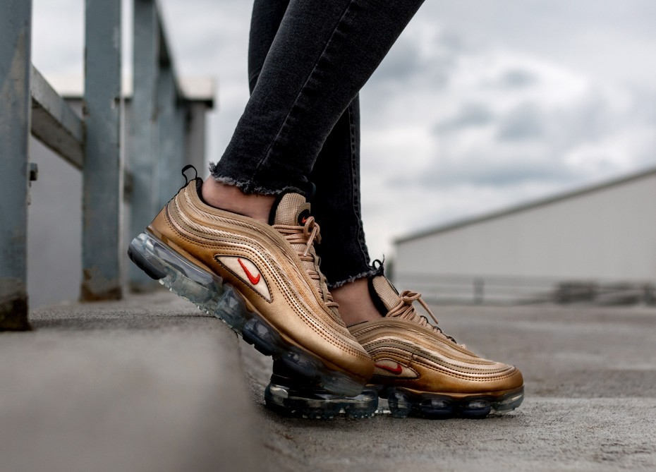 Nike Mujer Air Vapormax '97 (Blur/Vintage Coral/Anthracite/Negras) AO4542-902