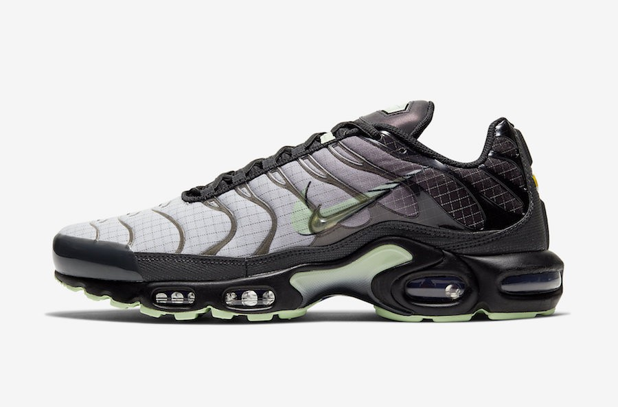 Nike Air Max Plus (Negras/Verde) CT1619-001