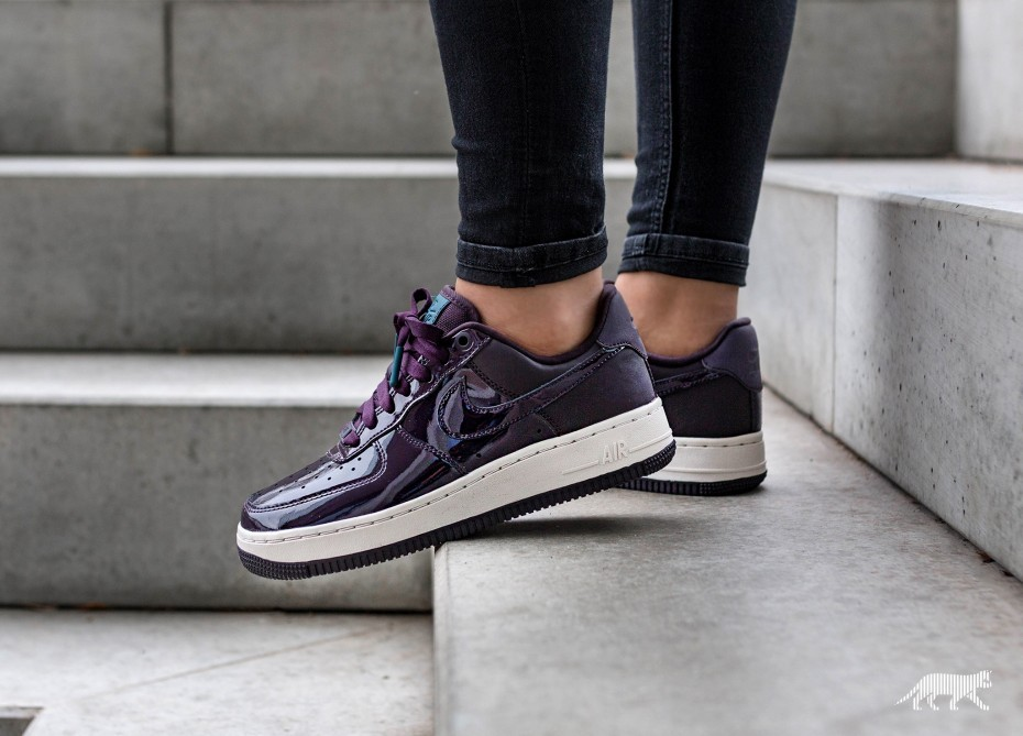 Nike Mujer Air Force 1 '07 SE PRM *Beautiful x Powerful* (Port Wine/Azul) AH6827-600