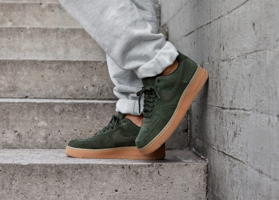 Nike Air Force 1 '07 LV8 Suede (Verde/Verde) AA1117-300