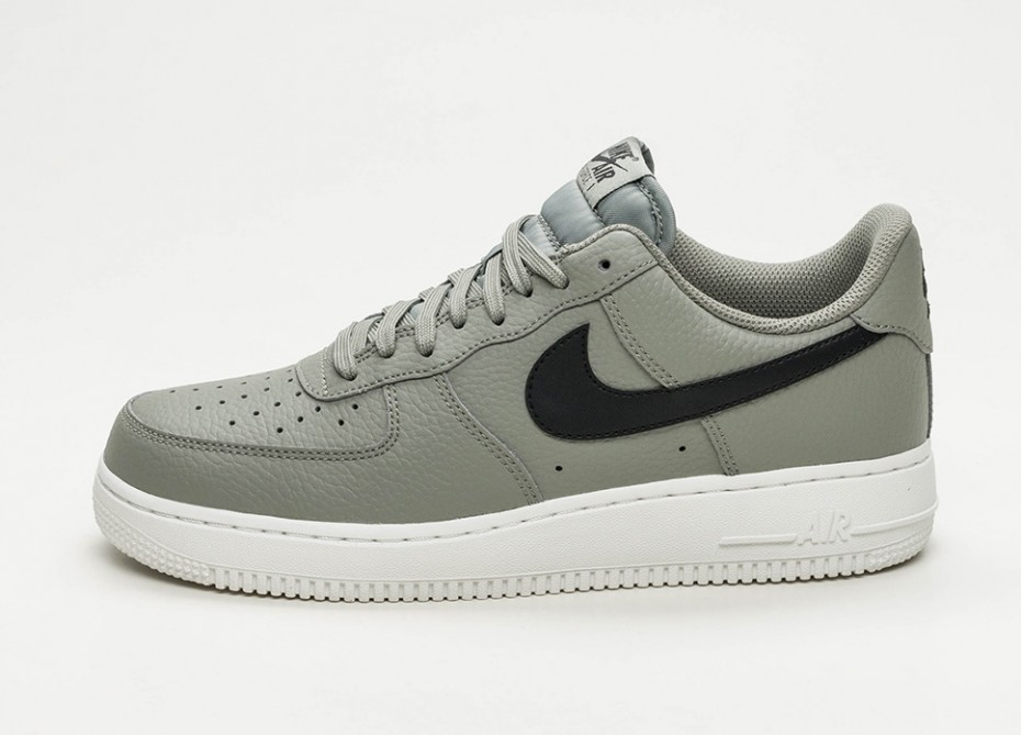 Nike Air Force 1'07 (Dark Stucco/Negras/Blancas) AA4083-007