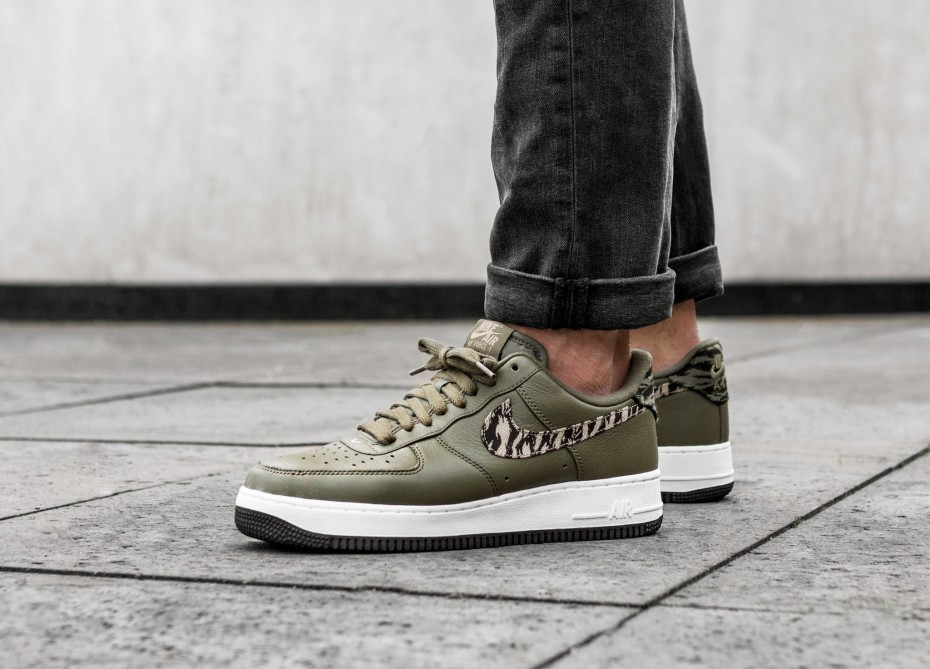 Nike Air Force 1 AOP PRM (Olive/Khaki) AQ4131-200
