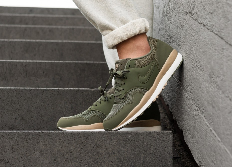 Nike Air Safari (Olive/Olive/Desert/Sail) 371740-201