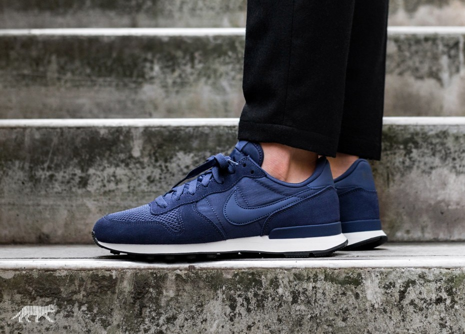 Nike Internationalist SE (Neutral Indigo/Sail/Negras) AJ2024-500