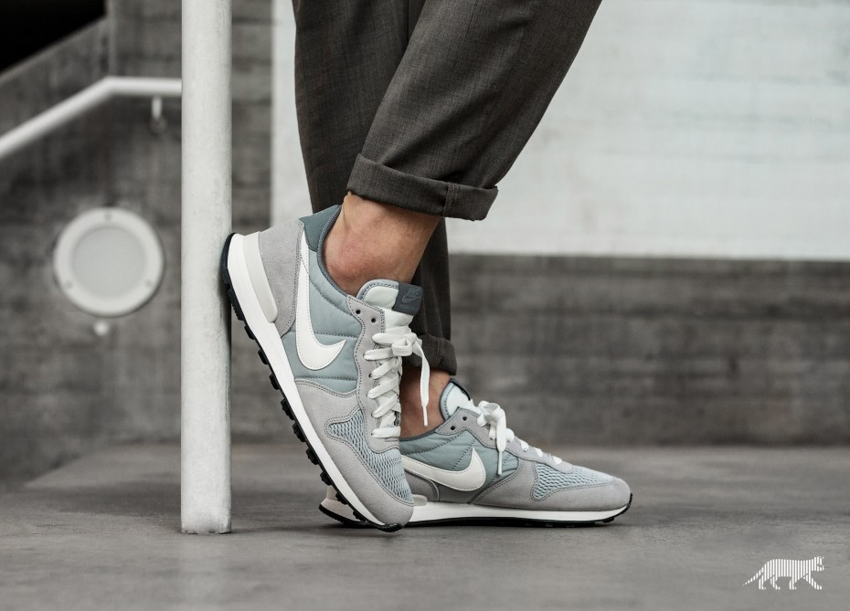 Nike Internationalist (Grises/Sail/Sail) 828041-015
