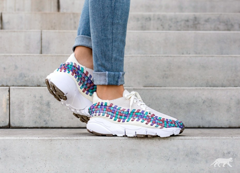 Nike Mujer Air Footscape Woven (Sail/Blancas/Rojas/Orchid Mist) 917698-100