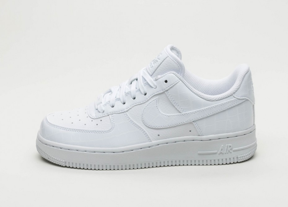 Nike Mujer Air Force 1 '07 Essential (Blancas/Blancas) AO2132-100
