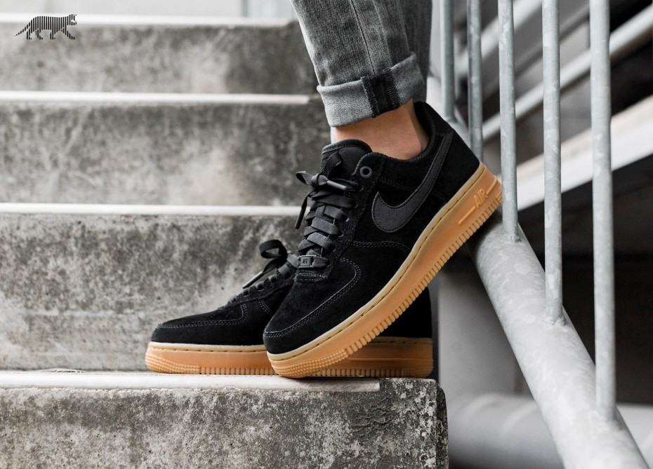 Nike Mujer Air Force 1 '07 SE (Negras/Marrones/Ivory) AA0287-002