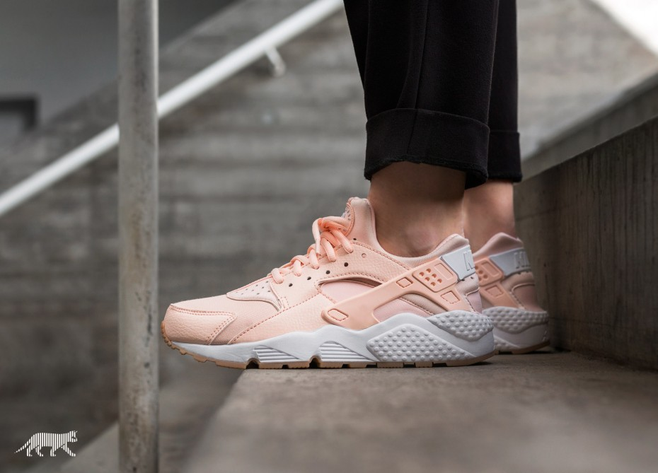 Nike Mujer Air Huarache Run (Sunset Tint/Blancas/Amarillas) 634835-607