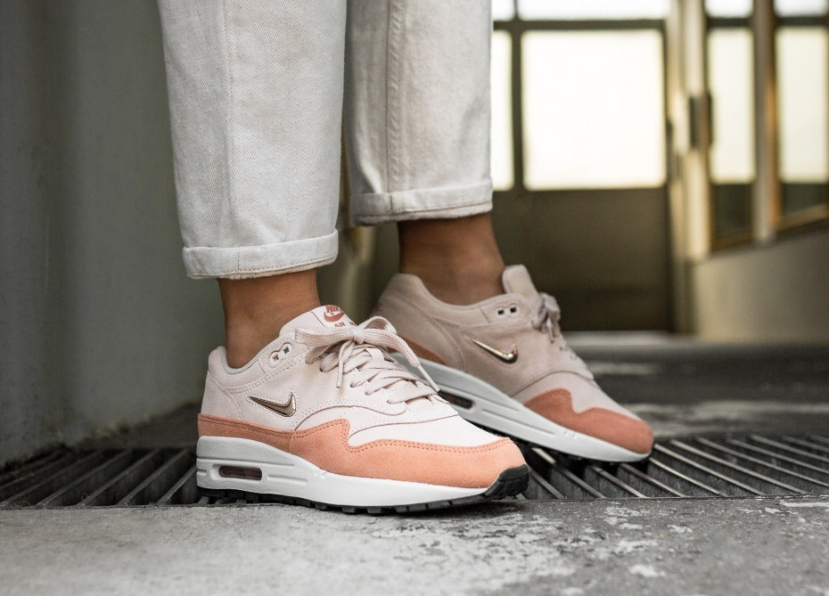 Nike Mujer Air Max 1 PRM SC (Guava Ice/Metallic Red Bronze) AA0512-800