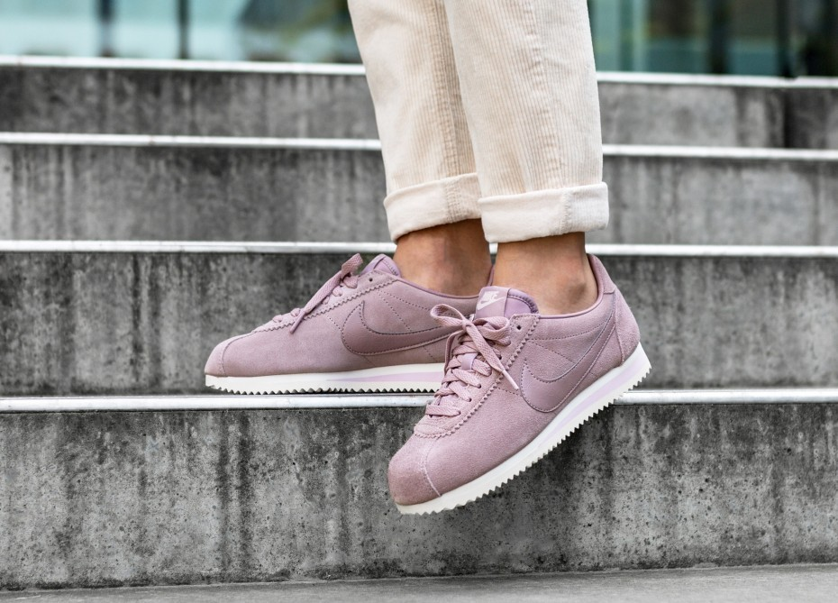 Nike Mujer Classic Cortez Suede (Elemental Rose/Elemental Rose) AA3839-600
