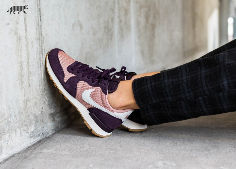 Nike Mujer Internationalist (Rosas/Light Bone/Port Wine) 828407-608