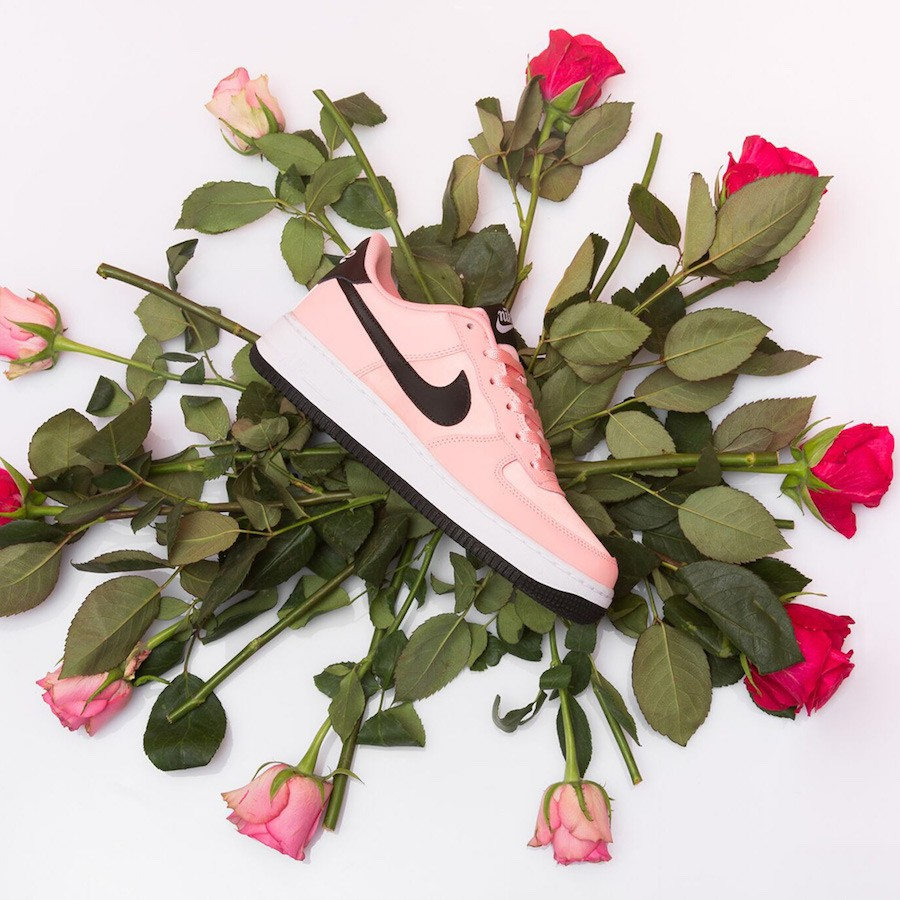 """Nike Air Force 1 Low """"Valentine's Day"""" (Bleached Coral/Negras-Blancas) BQ6980-600"""