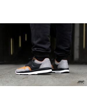 Nike Air Safari QS (Negras/Monarch/Cobblestone) AO3295-001