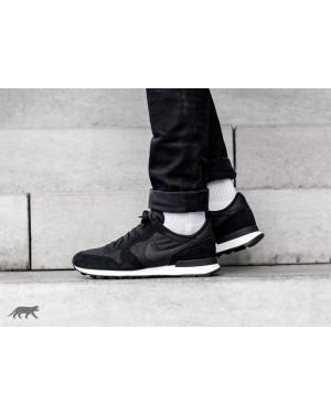 Nike Internationalist SE (Negras/Negras/Sail) AJ2024-002