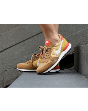 Nike Mujer Internationalist (Muted Bronze/Blancas/Wheat Oro) 828407-207